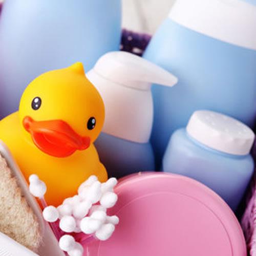 المستلزمات الست لغسل طفلك