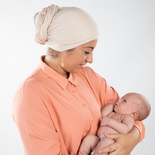 Soigner bébé avec son lait maternel! Drôle d'idée!